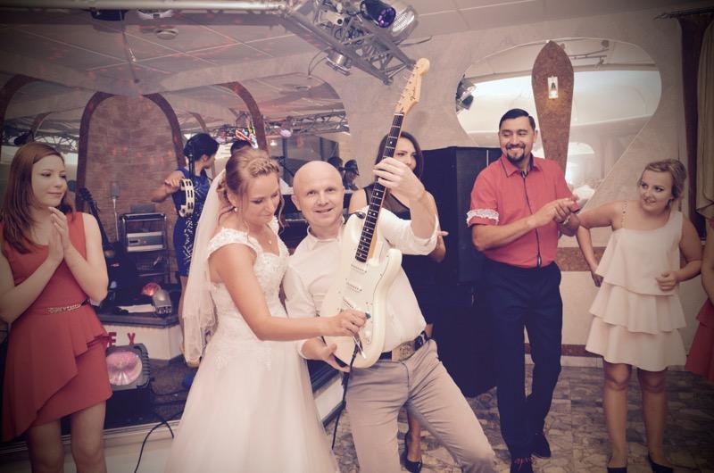 Kapela weselna robi dobre wrażenia na gościach
